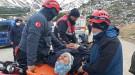 Ödemiş Bozdağ'da tepeden düşen 2 kişi kurtarıldı !